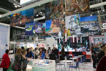 IMG stand fitur viajes